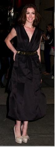 Anne Hathaway a la moda con Marc Jacobs 2