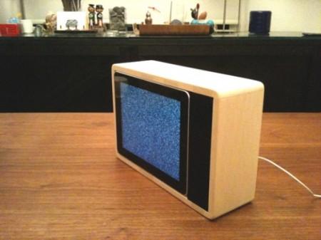 iPad convertido en una tele retro 1