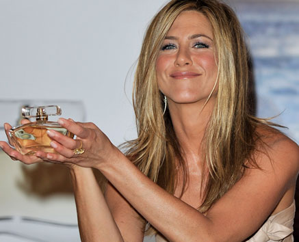 Jennifer Aniston lanza su primer perfume femenino 3