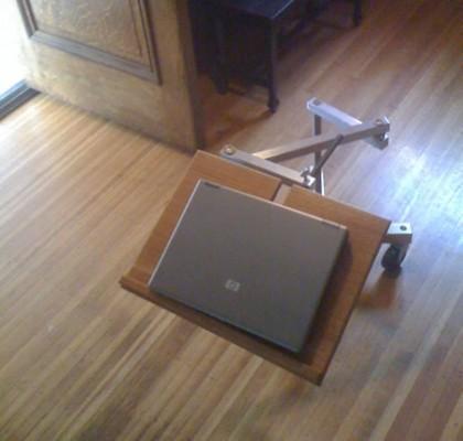 Mesa extensible para tu portátil 1