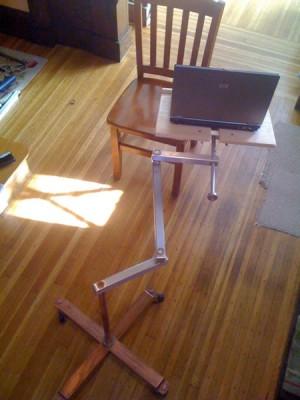Mesa extensible para tu portátil 4