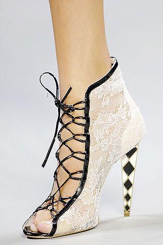 Los botines con cordones, tendencia en calzados este otoño-invierno 2010 5