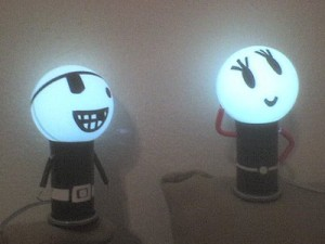 Muñecos luminosos de USB Kero. 2
