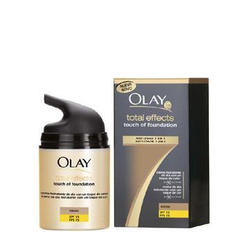 Olay Total Effects con un toque de maquillaje 3