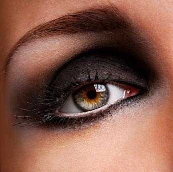 Maquillaje los ojos para una noche de fiesta 3