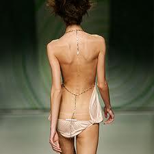 Maltrato al cuerpo femenino 11
