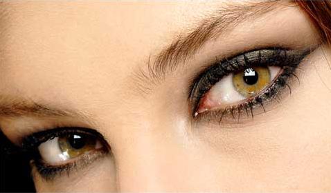 Cuidado del contorno de ojos 3