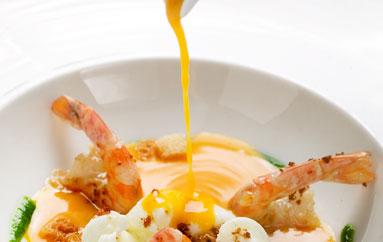 Receta de otoño: Sopa de calabaza con langostinos a la plancha y huevo escalfado 3