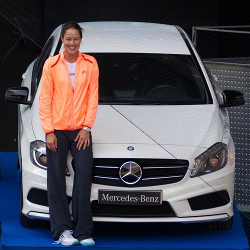 La tenista Ana Ivanovic acompaña la presentación del Nuevo Clase A de Mercedes 4