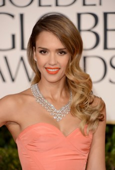 2013-Golden-Globe-Awards-Red-Carpet-Hairstyles-and-Makeup-Trends-14