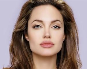 Angelina Jolie se hace una doble mastectomía 2