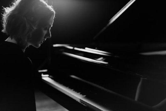 La pianista Judith Jáuregui, protagonista en El País Semanal 3