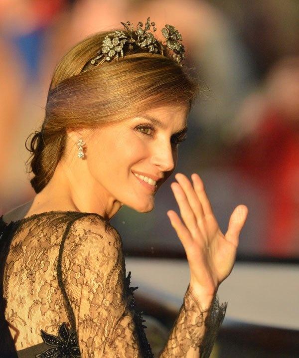La nueva reina de España, Letizia Ortiz, también a la moda 11