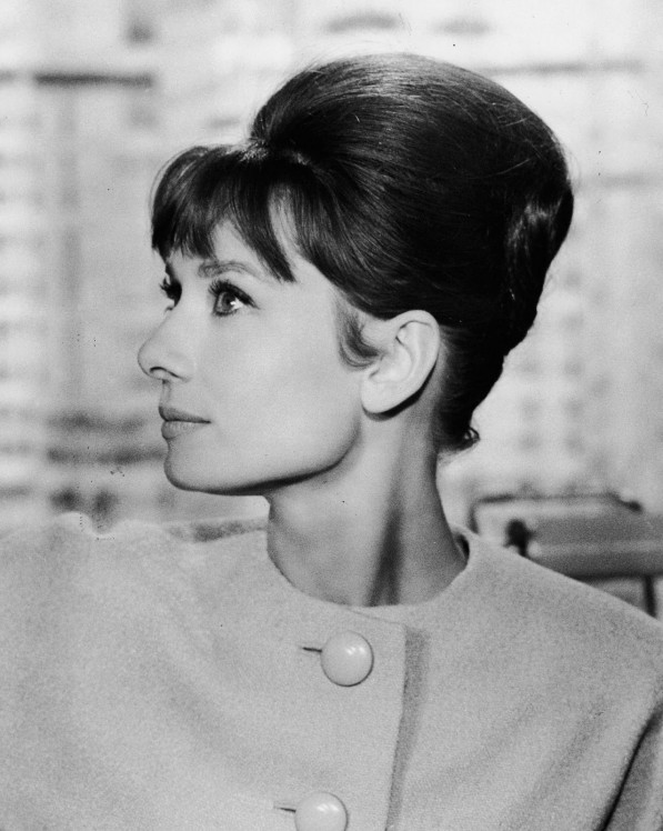 Audrey-Hepburn-French-Twist