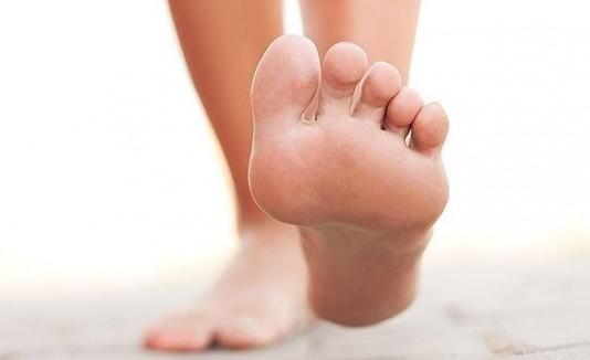 Evita la sequedad de tus pies