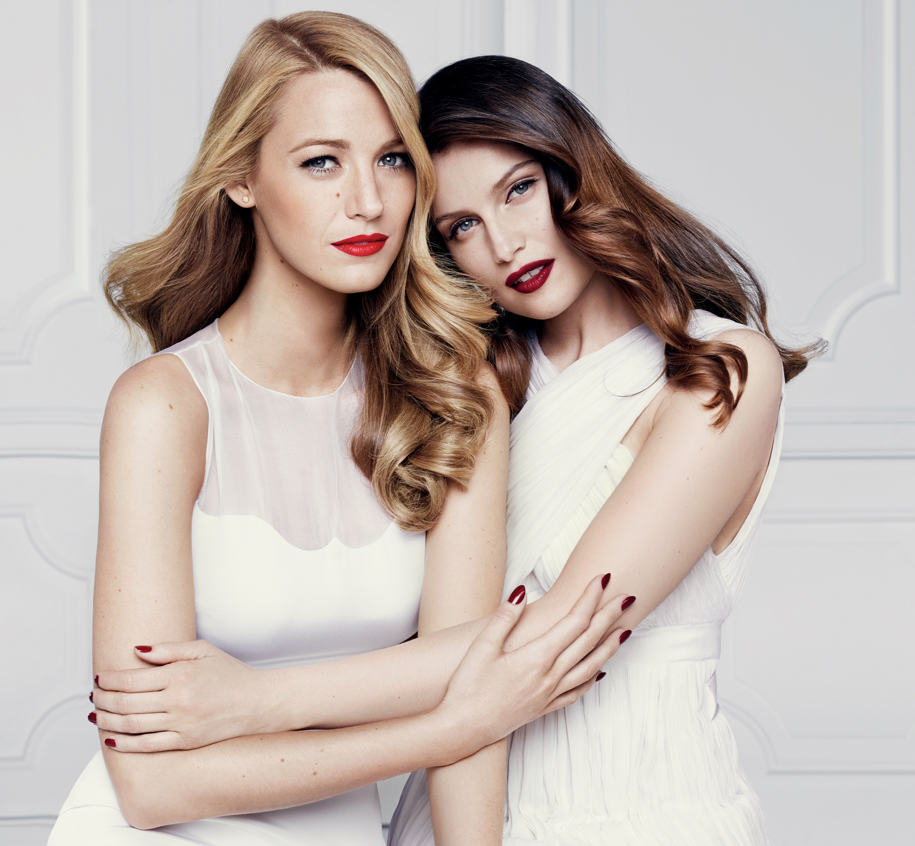 Blake Lively y Laetitia Casta L'Oréal Paris Colección rojos mate