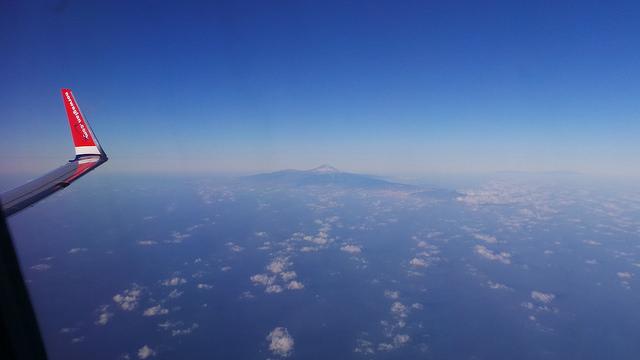 viajando en avion sola