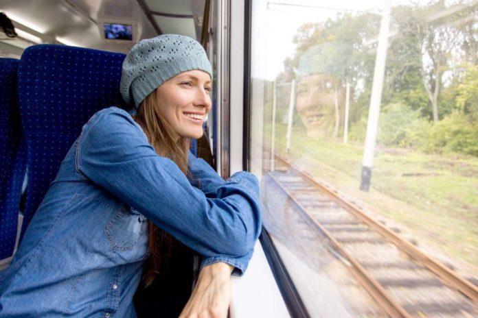 ¿Cómo conseguir billetes de AVE y tren baratos para viajar este verano? 3