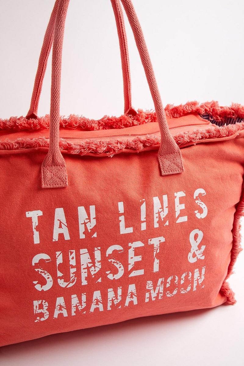 Mejores bolsos de playa para disfrutar mejor del verano 2