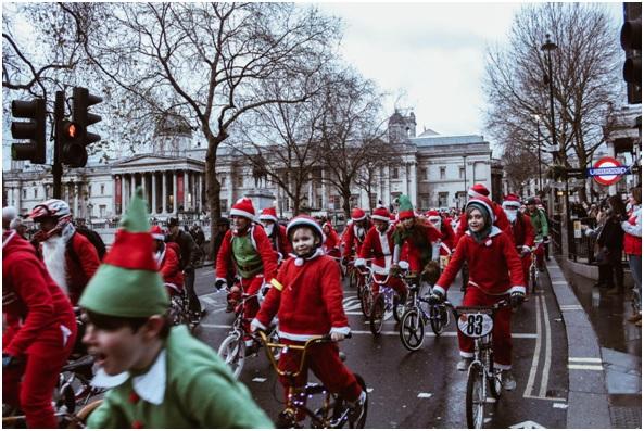 Qué no puede faltar en un buen desfile navideño