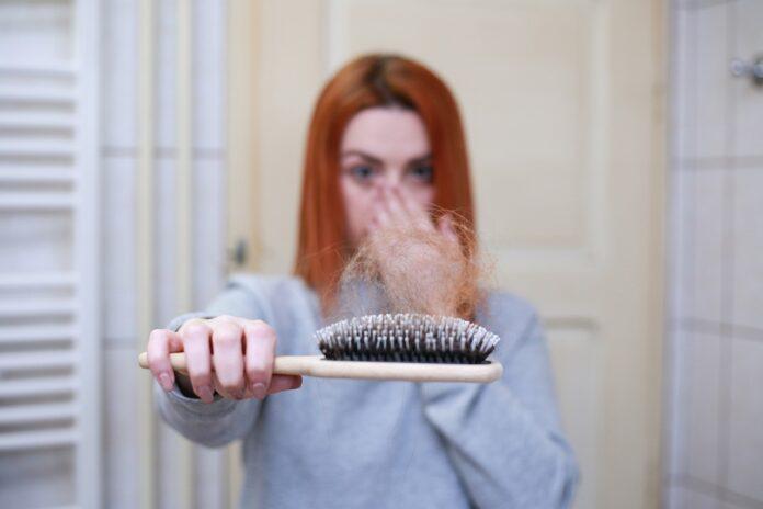 La caída abrupta del cabello, otra de las secuelas que puede dejar el Covid 19 2
